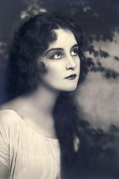 Vintage Beauty ca. 1910
