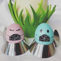 Bei uns war der Osterhase schon da und hat uns einen Webshop gebracht 😀 Wir bieten coole Stylemask-Mund-Nasen-Masken, die unter fairen Bedingungen regional gefertigt werden - 100 % Handmade in Austria! Wir freuen uns auf euren Besuch bei stylemask.at und wünschen euch ein frohes Osterfest! #stylemask #stylemaskat #mundnasenmasken #handmadeinaustria #coronasurvivor Regional, Easter Bunny, Masks, Easter Activities