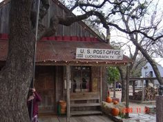 Lets go to Luckenbach, TX with Waylon, Willie and the Boys!