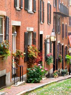 Acorn Street in Beacon Hill in Boston