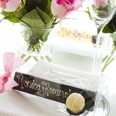 Piece, Love & Chocolate #truffle #edible #placesetting #chocolate bars!! Let your guests nom their #name at your #wedding