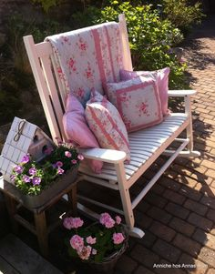 """Pretty in pink  """"This looks like a double rocking chair. What if you want to go in different directions?"""""""