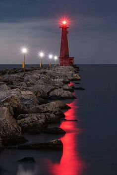 I like how the lighthouse light moves across the water. Lighthouse Lighting, Lighthouse Pictures, Lighthouse Art, Beautiful Places, Beautiful Pictures, Beacon Of Light, Water Tower, Belle Photo, Cool Photos