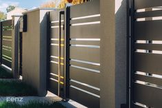 Modern Front Gate Design, Gate Wall Design, House Fence Design, Gate Designs Modern, House Main Gates Design, Steel Gate Design, Grill Door Design, Garage Door Design, Modern Gates