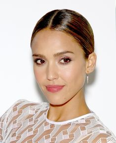 7 Honest Beauty Products From Jessica Alba's Line That Will Transform Your Beauty Routine