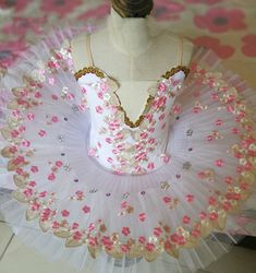 Dance Costumes Ballet, Ballerina Costume, Tutu Costumes, Girls Ballet Dress, Ballet Kids, Ballet Tutu, Salsa Dress, Dance Tights, Professional Dresses