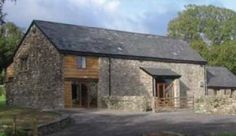 Wern Watkin Bunkhouse is located in the Brecon Beacons National Park, high up on Mynnedd Llangattock. It is also known as YHA Llangattock Mountain.