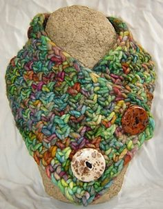 Linen stitch neckwarmer - free crochet pattern by The Sheep Shop. Super chunky yarn, quick project.