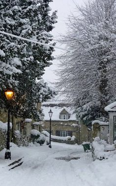 St Andrews Lane 2 Old Headington, Oxford, England Winter Szenen, Winter Magic, Winter White, Winter Christmas, Winter Love, Gold Christmas, Christmas Tree, Snow Scenes, Winter Beauty