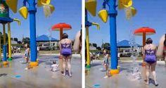 Garotinha aparece no vídeo sendo encharcada enquanto estava na companhia da babá, em um parque aquát...