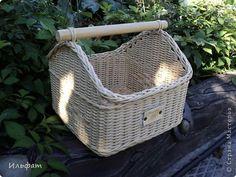 Поделка изделие Плетение На досуге Бумага газетная Трубочки бумажные фото 11