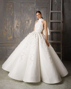 Philippine Wedding Dress Designers Beautiful Pin by Erica Gabriell On Dream Wedding In 2019 Famous Wedding Dresses, Stunning Wedding Dresses, Dream Wedding Dresses, Designer Wedding Dresses, Beautiful Gowns, Bridal Dresses, Wedding Gowns, Elegant Gowns, Couture Dresses