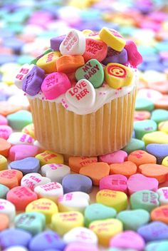 candy hearts on cupcakes!