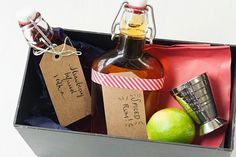 DIY gift: cocktail kits!  Pairings recommended by Savvy Eats.