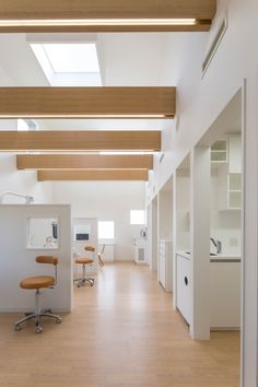 Image 3 of 23 from gallery of Yokoi Dental Clinic / iks design + msd-office. Photograph by Keisuke Nakagami