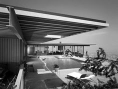 Case Study House aka Stahl House, is a modernist styled house in the Hollywood Hills section of Los Angeles, California that was designed by Pierre Koenig Interior Architecture, Interior And Exterior, Online Architecture, Modern Interior, Pierre Koenig, Modern Homes For Sale, Mid Century House, Mid Century Design, Midcentury Modern