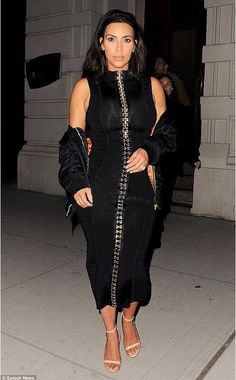 New Summer Kim Kardashian Dress Women Runway Fashion Black Midi Bandage Dress with Embellishments HL