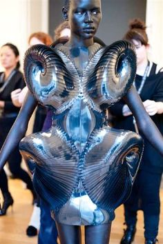 Electrifying 3D Ensembles : Iris van Herpen Spring Couture 2013