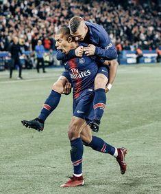 Mbappe Psg, Paris Saint, Neymar Jr, French Connection, Messi, Geeks, Soccer, Husband, Wallpapers