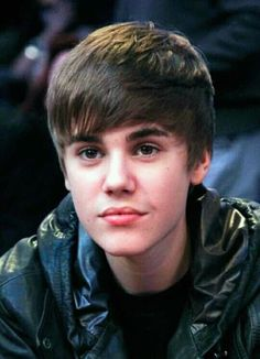 Thanks Justin you make my life meaningful Justin Bieber Posters, Justin Bieber Pictures, I Love Justin Bieber, Justin Beiber Shirtless, Boyfriend Justin, Pop Singers, Hairstyles With Bangs, Music Artists, My Idol