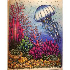 Färgbomb! #målarbokförvuxna #dagdrömmar @edaavictoria