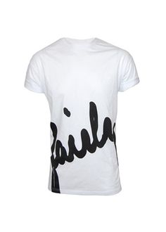 100% cotton over sized T-Shirt from Siksilk, available here in White with large black print.   Siksilk are bringing something completely different to the market by mixing contemporary designs with performance enhanced materials which guarantees you will stand out.  £40.00 from www.dapperstreet.co.uk
