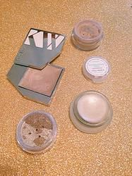 MY MUST-HAVE HIGHLIGHTERS!! Non-toxic beauty that gives the perfect glow!!  www.freelovebeauty.com