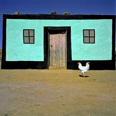Since Margaret Courtney-Clarke took her photographs of Ndebele art in the early eighties much has changed in the world of the Ndebele people. Vernacular Architecture, Architecture Design, Out Of Africa, Fairy Houses, Beautiful Architecture, Interior And Exterior, Exterior Colors, House Painting, House Colors