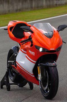 Ducati Desmo RR. My dream bike.