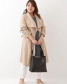 気候に合わせてつかえる。 とろみ素材の変型トレンチコート。 カジュアルな雰囲気のあるロングカーディガンのコンビ! ・ ・ #3way変形トレンチコート #OLUCA01199 ¥19,990+tax 13・15号 ・ ・ #eur3 #エウルキューブ #大きいサイズ #ぽっちゃり #ぽっちゃりファッション #ぽっちゃり女子 #ラファコーデ #コーディネート #大人女子 #大人コーデ #新作 #ワンピース #学校行事 #トレンチコート #トレンチコートコーデ