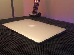 Apple MacBook Air 11-inch MJVM2LL/A