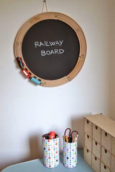 Ikea hack - Lillabo railway track as blackboard edging Ikea Lillabo, Boy Room, Kids Room, Cute Crafts, Diy Crafts, Diy For Kids, Crafts For Kids, Hacks Ikea, Ikea Hackers