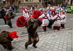Children dressed in bear furs dance during a holiday season celebration in Bucharest. The performances take place between Christmas Eve and New Year's Funny Photos, Cool Photos, Romania People, Bear Party, The Beautiful Country, Photo Galleries, Lion Sculpture, Statue, Costumes