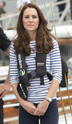 Kate Middleton Photos Photos - Catherine, Duchess of Cambridge on board an…