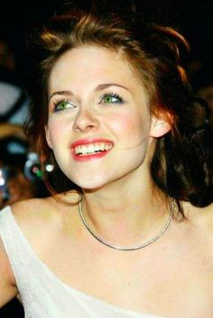 Kristen Stewart - Twilight premiere