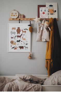 Warm tones in the small corner of Linné. Right now beige, mustard and burgundy .- Warme Töne in der kleinen Ecke von Linné. Gerade jetzt Beige, Senf und Burgund… Warm tones in the small corner of Linné. Childrens Room Decor, Baby Room Decor, Kids Decor, Nursery Decor, Kids Bedroom Dream, Baby Bedroom, Girls Bedroom, Deco Kids, Warm Home Decor