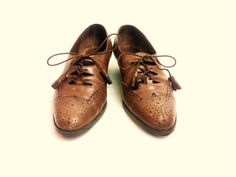 Vintage Womens All Leather Low Heel Wingtip Oxfords