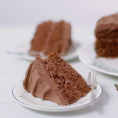 Easy chocolate cake Make a moreish chocolate cake for an afternoon tea or birthday with this simple recipe Decorate with delicious rich chocolate buttercream Baking Recipes, Dessert Recipes, Baking Ideas, Sweets Recipe, Recipe Recipe, Easy Cake Recipes, Simple Recipes, Easy Chocolate Desserts, Easy Desserts