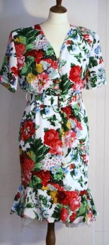 KIKI Fashion of Norway norsk 80-talls vintage kjole flott stand bryst 88 liv 85 hofter 100 100%polyester vaskes for hnd med Milo second hand