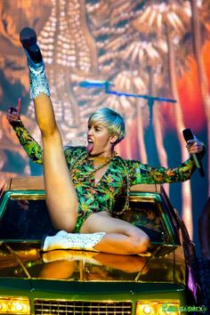 "Miley Cyrus ""Bangerz"" Tour in Michigan 