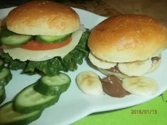 Gyro Pita, Salmon Burgers, Biscotti, Hamburger, Chicken, Cooking, Ethnic Recipes, Food, Breads