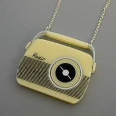 You Make Me Design 1950s Radio Shaped Pendant Necklace (£29) ❤ liked on Polyvore featuring jewelry, necklaces, pendant necklace, vintage necklace, vintage jewellery, vintage pendant necklace and vintage jewelry