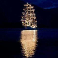 A wedding reception on a giant boat, or a yacht Tall Ships, Bateau Pirate, Pirate Life, Pirate Fairy, Sail Away, Belle Photo, Beautiful World, Beautiful Beautiful, Yachts