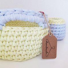 Cestas con olor a verano... ❤ #handmade #DIY #trapillo #verano #hmbcn #hmf2015 #instacrochet #tshirtyarn #fetamà #ganxetxxl #bigganxet #crocheting #traphilo #barcelona #manualidades #blog #blogger #diymania #ganxetxl #cesto  #amarillo #crochetxl #crochetxxl #crochetlove #ganxetxxl