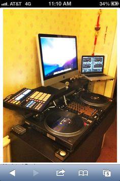 DJ Booth http://snd.sc/1b0MZc6