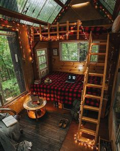 Loving these cabin vibes with that skylight roof