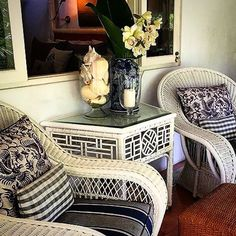 The CALYPSO CHAIR & MANDALAY DEMILUNE CONSOLE #stuartmemberyfurniture - photo taken at #monkeypalmbali by @coastal.life.styleanddesign @pineapplevilla decorator tour group #shoponline #shipworldwide ✈️@stuartmemberyhome