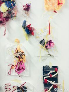 via: weibo (@yooy_) Textile Fabrics, Textile Art, Ceramics Projects, Art Projects, Textile Sculpture, Textiles Techniques, Fabric Manipulation, Diy Embroidery, Textile Design