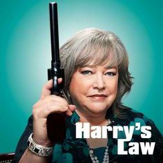 LOVE Kathy Bates in Harrys Law!!