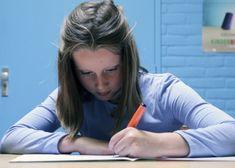 Schrijven of typen: wat doen de kinderen in jouw groep het liefst nu er in het dagelijks leven steeds vaker wordt getypt?Laat ze de voor- en nadelen en voorkeuren van het schrijven met de hand en typen op een toetsenbord eens onderzoeken. Dit artikel is afkomstig uit het Praxisbulletin van november 2015 en is oorspronkelijk …